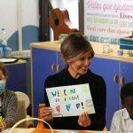 سيدة أمريكا الأولى تقرأ القصص للأطفال المرضى في مستشفى واشنطن