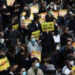 آلاف المحتجين يتجمعون في حي الأعمال بهونج كونج