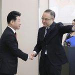 كوريا الجنوبية واليابان تبحثان خلاف تجاري مع عدم توقع التوصل لحل سريع