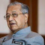 «مهاتير» أكبر رئيس وزراء في العالم: على صغار السن طلب النصح من الكبار