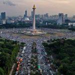 مسيرة سلمية في حراسة أكثر من 6000 من قوات الأمن في إندونيسيا