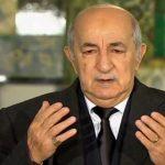رئيس الجزائر يبكي قايد صالح في نظرة الوداع الأخيرة