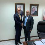 عريقات خلال لقاء ملادينوف: مبادرة السلام العربية الأساس لعملية السلام
