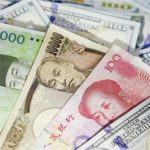 العملات تتحرك في نطاق ضيق قبل اتفاق التجارة الصيني الأمريكي