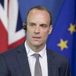 القائم بأعمال رئيس الوزراء البريطاني يتعهّد بهزيمة فيروس كورونا في غياب جونسون