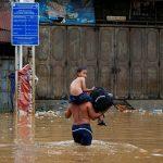ارتفاع عدد ضحايا السيول في جاكرتا إلى 26 قتيلا