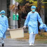 فيروس كورونا يثير الذعر مع تأكيد الصين إمكانية انتقاله بين البشر ووفاة 6 اشخاص