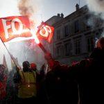 فرنسا: محتجون يحاولون إفساد حدث يحضره ماكرون في فرساي