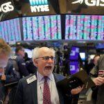 الأسهم الأمريكية تهبط مع تجدد خسائر التكنولوجيا