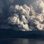 الفلبين تعلق رحلات الطيران بمطار مانيلا بسبب نشاط بركان