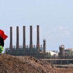 محتجون يغلقون ميناء الزويتينة النفطي الليبي
