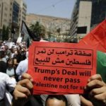 الاحتلال يطلق الرصاص الحي على فلسطينيين في الخليل