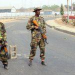 مسلحون يحتجزون مئات المدنيين رهائن في نيجيريا