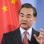 وزير خارجية الصين يعترف بتحدي فيروس كورونا وينتقد المبالغة في رد الفعل