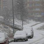 انهيار جليدي يقتل 8 ويحاصر آخرين في شرق تركيا