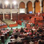 البرلمان التونسي يناقش التصويت على حكومة ائتلافية وسط مصاعب اقتصادية