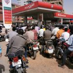 نقص الوقود يُثقل كاهل الحكومة الانتقالية في السودان