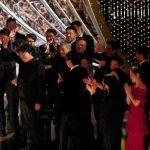 الكوريون يحتفلون بالفوز التاريخي لفيلم