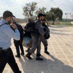 عشرات المستوطنين يقتحمون الأقصى والاحتلال يعتقل المتطرف