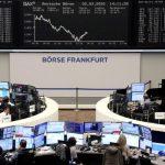 تراجع الأسهم الأوروبية بعد إبقاء المركزي الأوروبي على السياسة النقدية دون تغيير