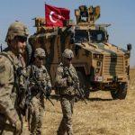 الجيش التركي يعتقل 3 عناصر في شمال سوريا يصفها بالإرهابية