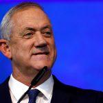 جانتس يعلن تجميد إسرائيل برنامجا لإرسال لقاحات كورونا للخارج