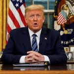 ترامب يوقع أمرا يحد من الهجرة للولايات المتحدة خلال أزمة كورونا