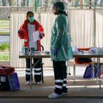 طبيب: طلبة كليات الطب في إسبانيا يشاركون في علاج مصابي كورونا