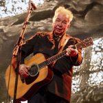 وفاة مغني أمريكي بسبب مضاعفات فيروس كورونا