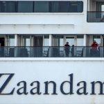 نزول ركاب سفينتي زاندام وروتردام السياحيتين في ميناء بفلوريدا