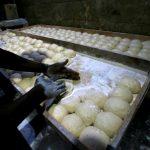 السودان يرفع أسعار الخبز في الخرطوم لمساعدة أصحاب المخابز