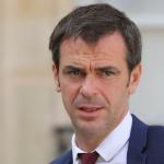 فرنسا تمدد الفترة الفاصلة بين لقاحات فايزر ومودرنا لتسريع التطعيم