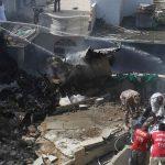 أضرار مادية في المنازل المحيطة بموقع تحطم الطائرة الباكستانية
