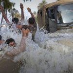 فيضان نهر في أوزبكستان وكازاخستان يتسبب في إجلاء عشرات الآلاف
