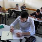 مليون و350 ألف طالب يعودون لمدارس فلسطين وسط تخوفات كورونا