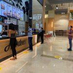 الإمارات تحمي الأطفال وكبار السن بمنعهم دخول مراكز التسوق