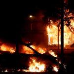 استمرار الاحتجاجات الأمريكية على مقتل رجل من أصول أفريقية