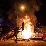 اشتعال حرائق في منيابوليس الأمريكية وسط انتشار أمني كثيف