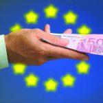 اليورو يقفز لذروة 4 أشهر بسبب حدوث تقدم في محادثات الاتحاد الأوروبي