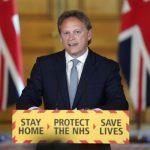 وزير النقل البريطاني يطالب الواقفين في طوابير البنزين بالتصرف كالمعتاد