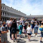 السياحة الدولية تواجه أكبر تراجع منذ خمسينات القرن الماضي