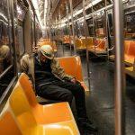 مثل جائحة 1918.. نيويورك قد تلجأ لتوزيع ساعات العمل لإبقاء قطارات الأنفاق آمنة