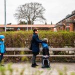 طبيب يكشف نتائج إعادة فتح المدارس في الدنمارك
