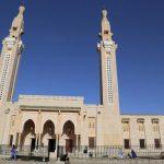 الموريتانيون يتوافدون على المساجد بعد تخفيف تدابير العزل