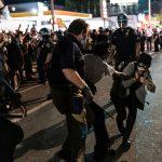 بوش الابن: أصوات المحتجين الأمريكيين يجب أن تلقى آذانا صاغية