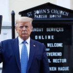 رجال دين ينتقدون ترامب بعد صورته وهو يرفع الإنجيل أمام كنيسة