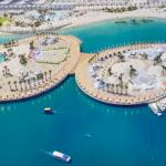 دبي تشيد جزرًا عائمة في مشروع شاطئي جديد