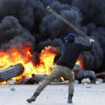 مسؤول فلسطيني: كل الاحتمالات متاحة لمواجهة مخططات الاحتلال