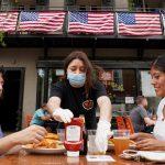 أمريكا.. مليونان و248 ألف مصاب بكورونا والوفيات قرب 120 ألفًا