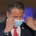 حاكم نيويورك يعتذر مجددا بعد مزاعم تحرش جنسي